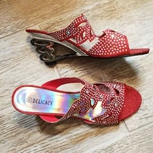 Red Crystal Wedges